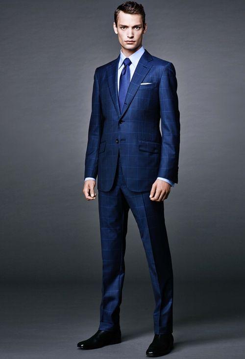 コーディネート例12:ネイビースーツ×シルクタイの着こなし