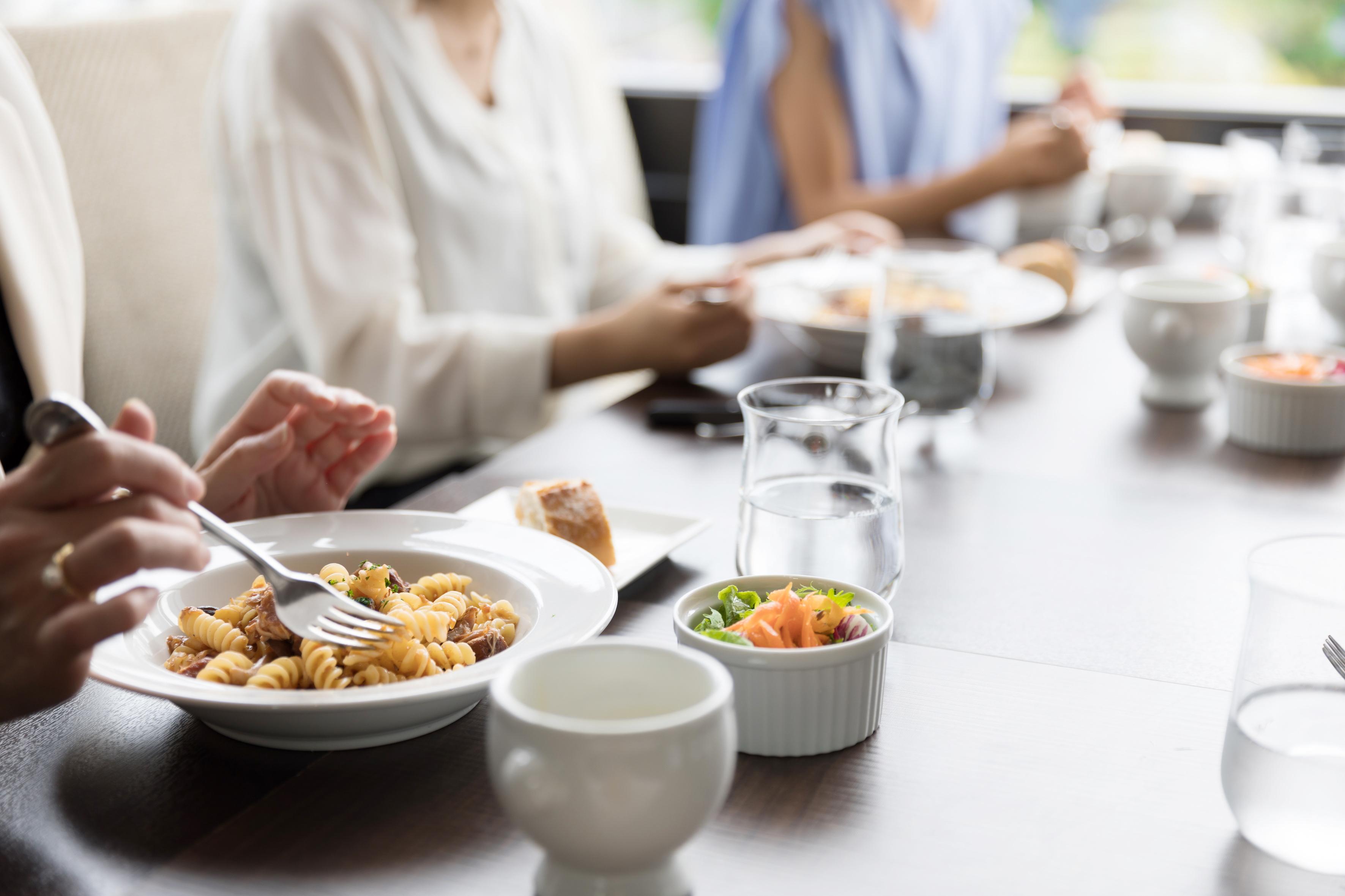会食・接待のネクタイの選び方