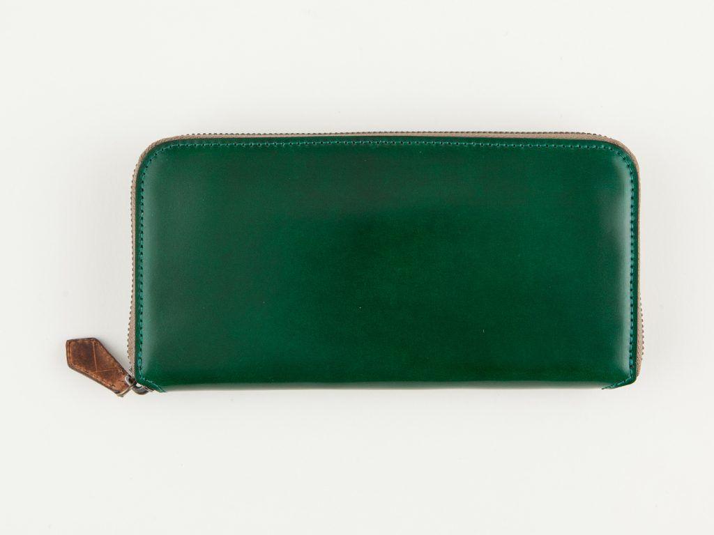 bf72b83fc6af 個性的ながら落ち着きのある大人にオススメの緑(グリーン)のメンズ財布 ...