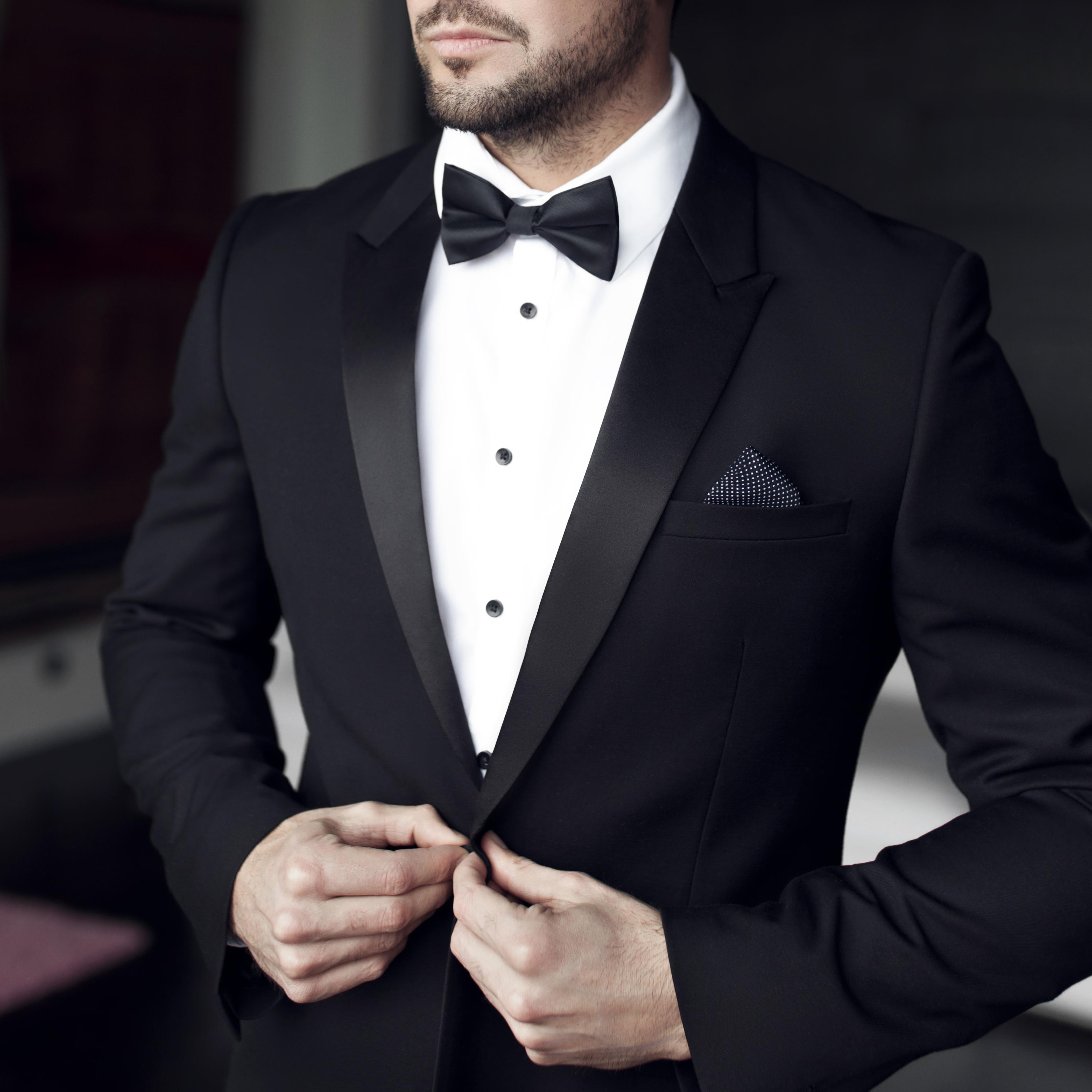 8887db2855528 冠婚葬祭などの礼服着用時のネクタイマナー完全ガイド