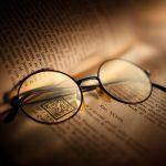 知的な印象がアップするノスタルジックな眼鏡「モスコット」を徹底解説