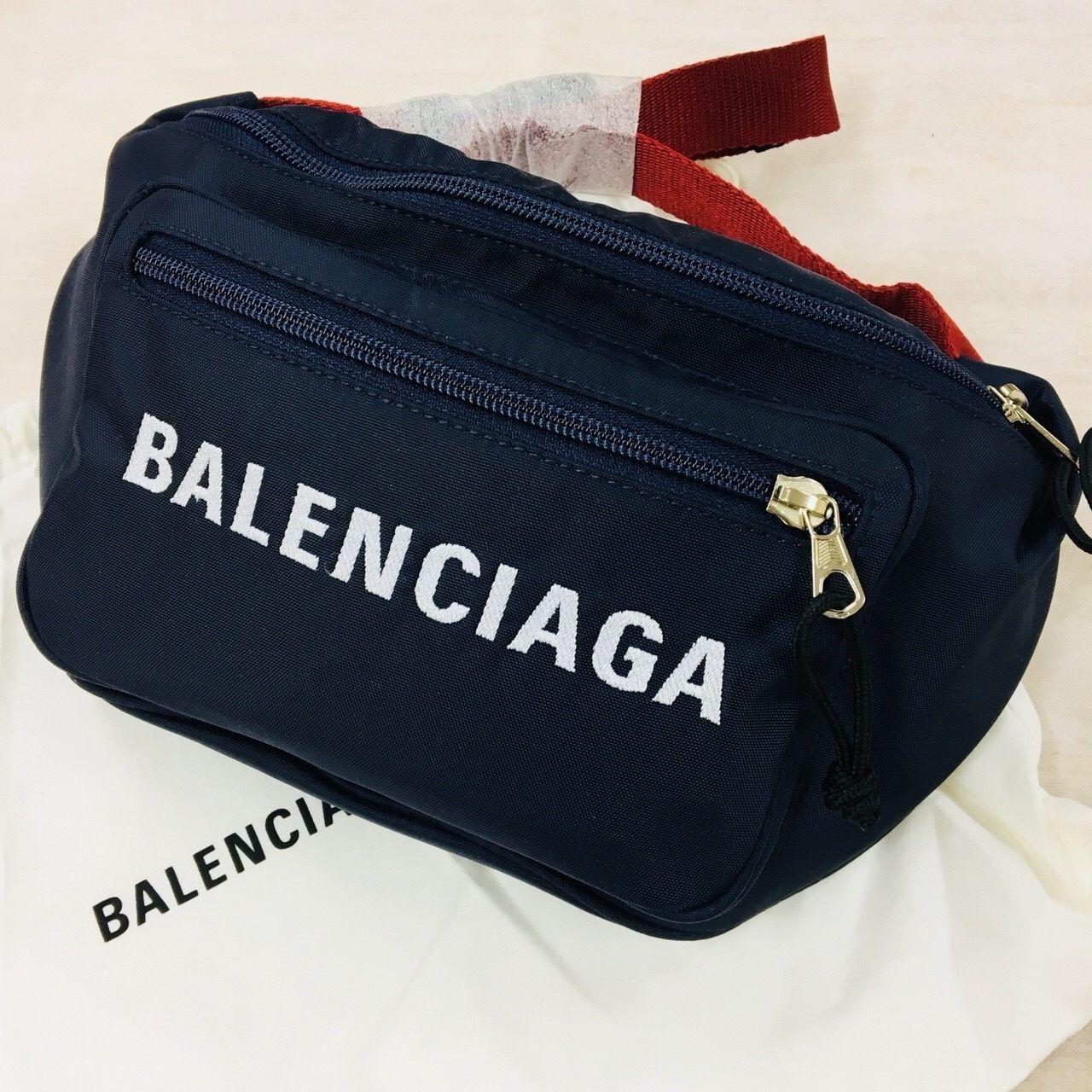 バレンシアガウエストバッグ