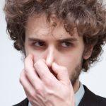 鼻毛が白髪になる原因とは?対策方法からおすすめグッズまで徹底解説!