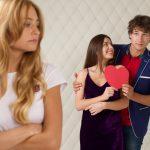 浮気の意味や不倫との違いは?浮気しがちな男女の特徴も解説!