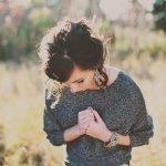 感情的な人の心理や特徴は?気持ちを抑える対処法や上手な付き合い方を解説!